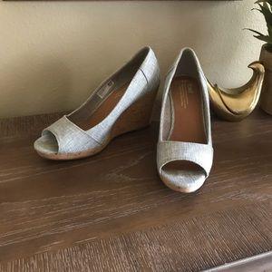 Tons light blue jean wedge sandals shoes - size 9
